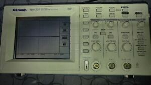 Tektronix Tds 220 Two Channel Digital Real time Oscilloscope 100mhz 1gs s