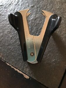 Staple Remover Claw Style Black