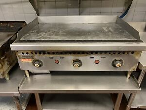 Vulcan Natural Gas 36 Heavy Duty Grill 1 Griddle Flat Top Thermostatic Grill