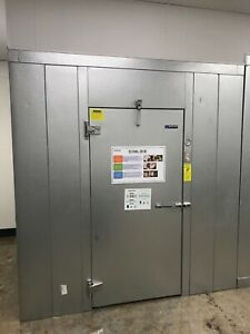 2019 Master bilt Walk in Cooler With Lighting And Self Contained Top Mount Unit