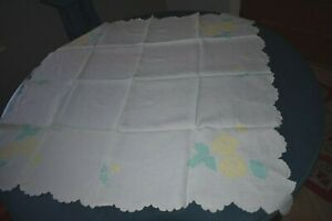 Vintage Linen Tablecloth And Napkins Appliqud Flowers