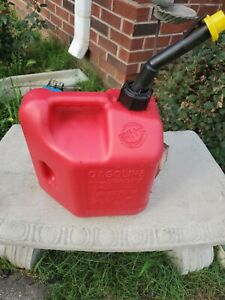 Blitz 2 Gallon 8oz Gas Fuel Can With Self Venting Spout Usa