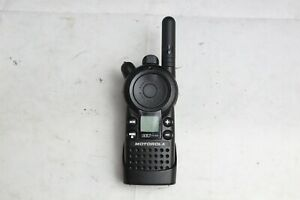 Motorola Cls1110 Uhf Business 2 way Radio Walkie Talkie W Belt Clip