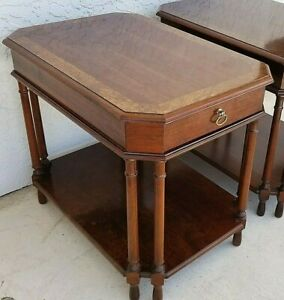 Pair Of Vintage Pennsylvania House Traditional Burl Mahogany End Side Tables