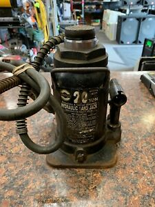 Omega Lift Equipment 18201 20 Ton Air hydraulic Bottle Jack P23
