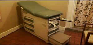 Ritter 204 Exam Table Excellent Condition Teal Color