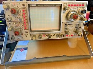 Dynascan Corp Vintage Bk Precision Oscilloscope Model 1590a 100mhz Powers On