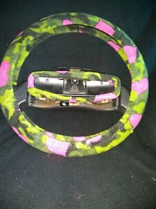 Green Camo With Pink Hearts Fleece Steering Wheel Cover Set