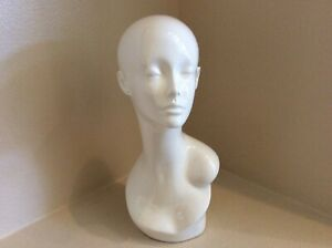 Glossy White Fiberglass Female Mannequin Head With Face Display Wigs