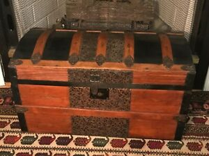 Antique Dome Top Steamer Trunk Chest With Tray Handles 27x18x16