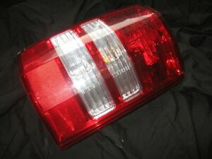 08 09 10 11 12 Jeep Liberty Tail Light Assembly Right