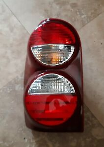 2005 2007 Jeep Liberty Driver Left Side Tail Light Lamp Taillight