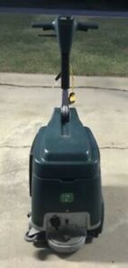Tennant R3 Compact Extractor Nobles Carpet Cleaner Floor Scrubber 50 Hours