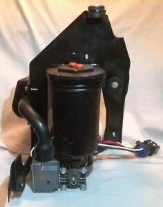 1997 2006 Ford Expedition Lincoln Navigator Air Suspension Compressor Pump Oem