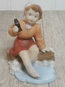 Coca-Cola Vintage Girl Sitting On A Log # 578711