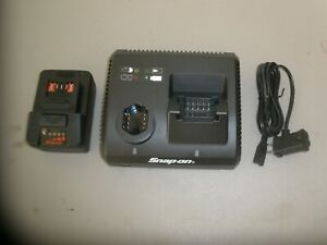 Snap On Ctc131 14 4 18v Dual Bay Li Ion Battery Charger W 1 18v Battery