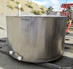 Used Tank Approximate 1 000 Gallon Stainless Steel Approximate 82 Diameter