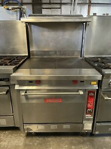 Natural Gas 2 Burner Heavy duty Range With 36 Hot Top And Standard Oven
