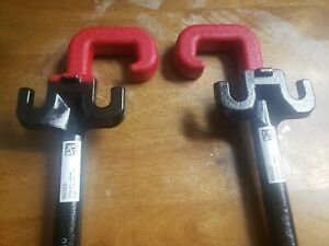 11 20 Jeep Grand Cherokee Front Red Towing Hooks