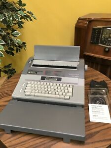 Smith Corona Sd 660 Word Processor Typewriter Spell Right With Extras