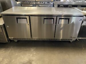 Everest Etbr3 72 3 Door Under counter Refrigerator