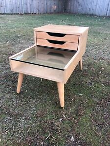Vintage Mcm Table Mid Century Modern Side End Table Blond Wood Pegged Legs