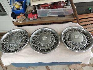 Sold Separate Each Vintage Cadillac Wire Spoke Logo Hubcaps Part 16725 253786