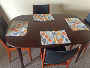 Beautiful Vintage Danish Modern Dining Table Excellent Condition
