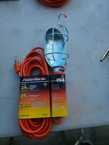 Trouble Work Light W Outlet 25 Ft