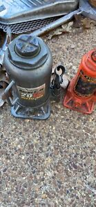 Two Bottle Jacks Pittsburg 30 Ton 8 Ton Used Very Good Condition Local Pickup