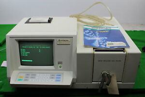 Hitachi U 2000 Spectrophotometer Lab Laboratory P n 121 0003
