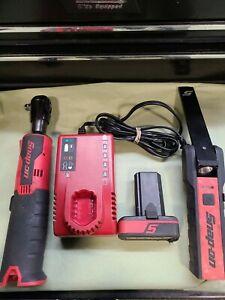 Snap on Ctr761b 14 4v 3 8 Drive Cordless Ratchet W Battery Charger Light
