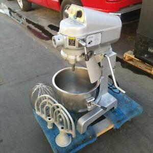 Globe Sp20 Gear Driven 20 Qt Commercial Planetary Floor Mixer 115v