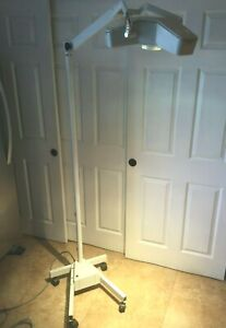 Burton Outpatient Ii Exam Light Head And Arm Wheeled Surgical Floor Lamp Kp