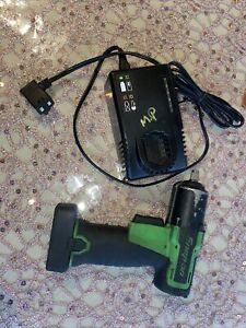 Snap On 18v 3 8 Drive Impact Gun Green Cordless With Charger