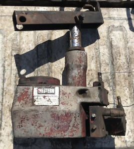 Western Isarmatic Lift Control Mark Iii Snow Plow Pump Casing Only
