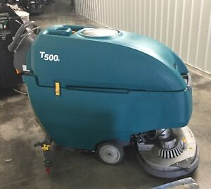 Tennant T500e 32 Disk Floor Scrubber Under 700 Hours