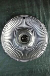 78 79 Grand Prix Wheel Cover W O Wire Type W Gp Center