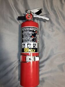 Ansul Sentry A02s Dry Chemical Fire Extinguisher With Vehicle Wall Mount
