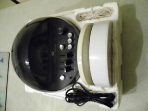 Weltron Vintage Radio Model 2002 Fm am Space Ball With Manual original Package