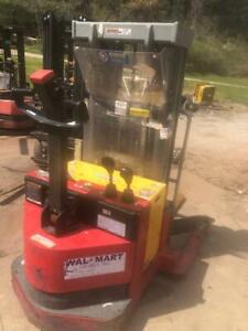 Only 6ft Tall Raymond Walkie Stacker Straddle Forklift Raises 12ft 4 Inches