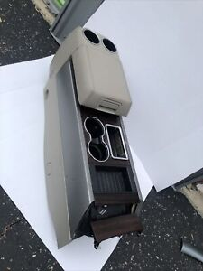 2007 2008 Ford Expedition Front Center Console Woodgrain Trim