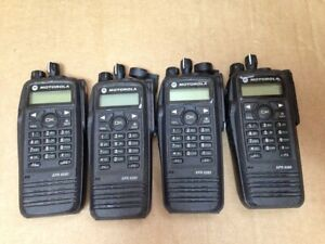 Lot Of 4 Motorola Xpr6580 Two Way Radio Aah55uch9lb1an