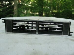 1967 1968 Mustang Fastback Coupe Convertible Gt Shelby Orig Dash Center A C Vent