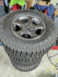 2021 Jeep Gladiator Rubicon Oe Tires And Wheels Package 33 A T Tpms Lugs