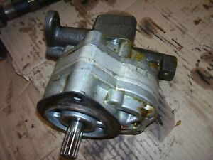 Vintage Oliver 1650 Gas Tractor Main Hydraulic Pump Assembly