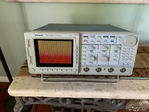Tektronix Tds 544a Color Four Channel Digitizing Oscilloscope 500 Mhz 1gs s
