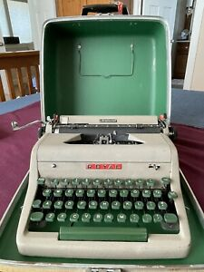 Royal Aristocrat Portable Typewriter Clean Serviced New Ribbon Tested W case