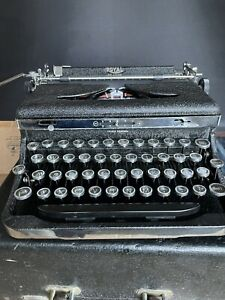 Rare Royal Deluxe 1935 Typewriter Very Clean Ribbon Serviced Original W case