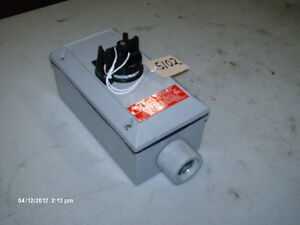 Cooper Crouse Hinds Start stop Switch N25 Control Station Type 4x X proof new